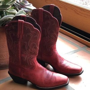 Ariat Boots size 8